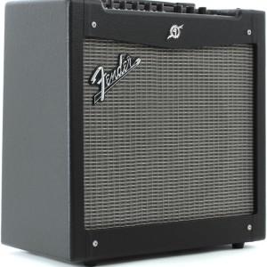 Fender Mustang II Combo1