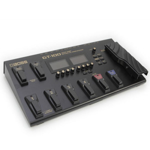 THE BOSS GT 100 GUITAR MULTI-EFFECTS PEDAL 3